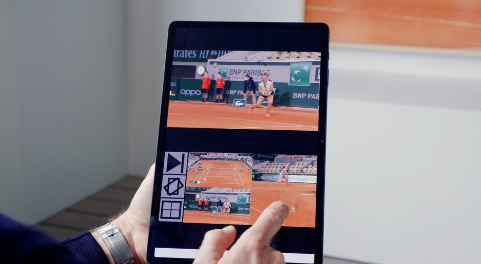 At any time during the viewing of a live or replay match, the user can decide to leave the image (available on France Télévisions channels) to display the camera of his choice.
